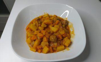Köfteli Bezelyeli Havuçlu Patates Yemeği